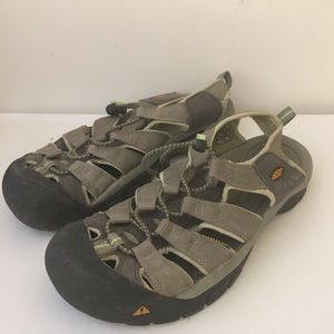 KEEN Newport Sandals Waterproof Gray Womans 9